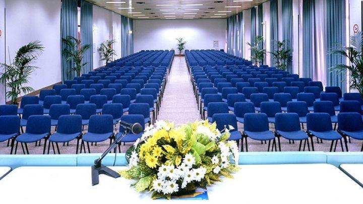 Servizi congressuali e culturali in favore di istituzioni, enti, imprese e associazioni.